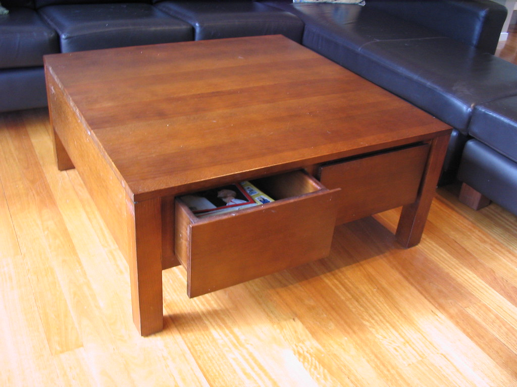 Square coffee table - matches entertainment unit.  1000 x 1000