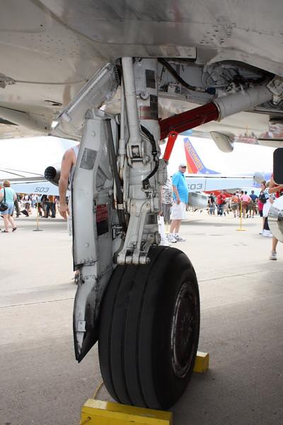 EAA10_F-4E_25