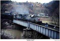 L&N C420s 1315 & 1369 (Robert W. Thomson) Tags: railroad century train diesel kentucky railway trains locomotive trainengine redstar ln alco louisvillenashville c420 fouraxle