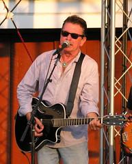 Joe Ely singing