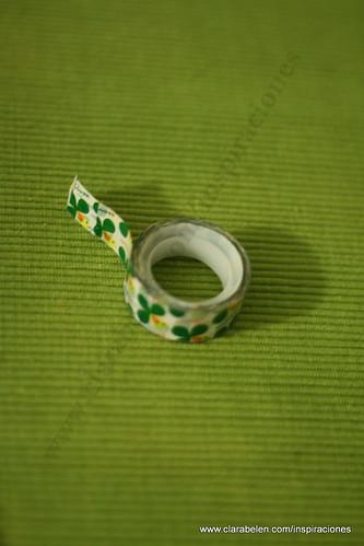 Manualidades Navidad: Adorno de árbol de Navidad reciclados con paletinas (cucharas) de plástico para el café y clips