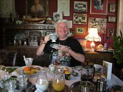 Enjoying breakfast (Mystic Ed & Fluffy) Tags: history breakfast magick tea anniversary glastonbury somerset twinings eat views merlin footsteps tor legend afternoontea pilgrimage myth avalon earlgrey kingarthur breakfasttea wearallhill