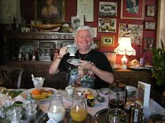 Enjoying breakfast (Mystic Ed & Fluffy) Tags: history breakfast magick tea anniversary glastonbury somerset twinings eat views merlin footsteps tor legend afternoontea pilgrimage myth avalon earlgrey kingarthur breakfasttea wearallhill