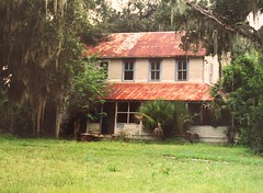 Taylor-Dunn House in Mims, FL (Black.Doll) Tags: florida tinroof mims crackerhouse haintblue taylordunnhouse