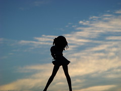 Silhouhette of Suzumiya Haruhi (katsuboy) Tags: shadow anime silhouette japan clouds sunrise toys japanese hawaii figures suzumiyaharuhinoyuutsu bfigure themelancholyofsuzumiyaharuhi sosbrigade
