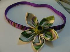 CINTILLO CON FLOR (PAREMI) Tags: tiara flor fabric fuxico diadema tela tecido kanzashi cintillos