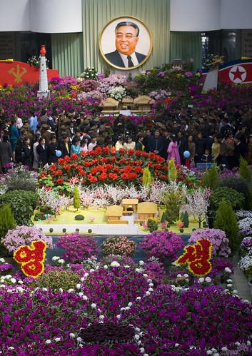 Festival tahunan Kimilsungia di Pyongyang.   Sumber : flicriver.com
