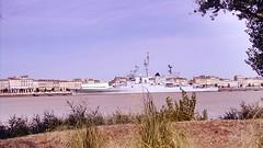 Bateau militaire sur les berges de la gironde (freddylyon69) Tags: bordeaux guerre navire gironde