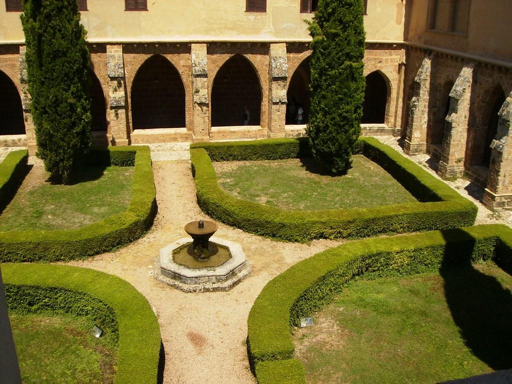El claustro del Monasterio de Piedra