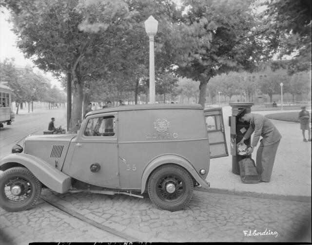 Viatura postal, Campo Pequeno (F.S. Cordeiro, s.d.)