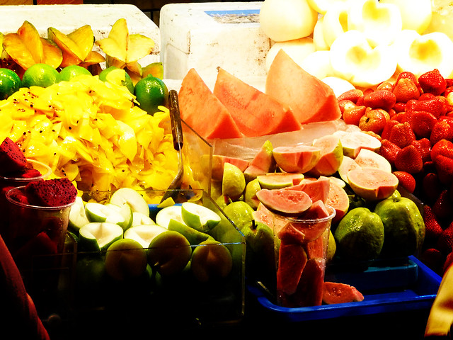 Everyone Eats Fruit