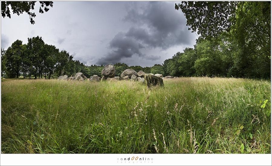 Figuur 1: Hunnebedden in Drenthe, een foto met een enorm dynamisch bereik