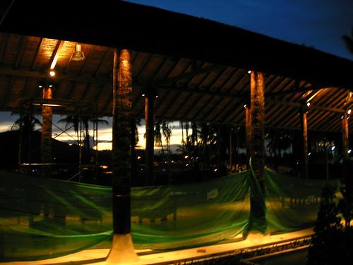 サムイ島 今日のお天気-日暮れの空港