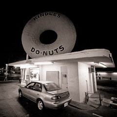 Kindle's Do-Nuts, Plate 2 (Thomas Hawk) Tags: auto california bw usa car losangeles automobile unitedstates 10 unitedstatesofamerica donut doughnut kindles fav10 bigdonut kindlesdonuts