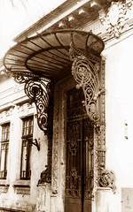 bucharest (fusion-of-horizons) Tags: old city house monument sepia architecture de photography photo fotografie photos decay decoration entrance scan artnouveau doorway romania scanned predigital 1998 bucharest oldcity bucuresti rumania romanian bukarest jugendstil roumanie bucarest fier werra forgediron arhitectura bucureti sepioso bucureti intrare forjat patrimoniu marchiza fiveflickrfavs arhitectur hccity calarasilor67 outstandingromanianphotographers lmibiimb18361