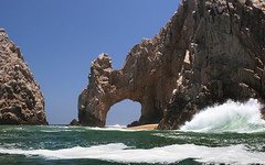 El Arco (A Sutanto) Tags: ocean sea vacation nature water mexico cabo rocks arch crash taxi wave landsend baja cabosanlucas attraction loscabos elarco seacape naturesfinest abigfave