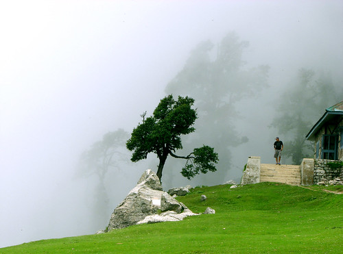 Cloudy Triund by sanyam.