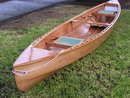 The Eureka plywood canoe - light and beautiful