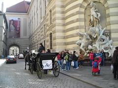 Tourists in Vienna (PaulLamere) Tags: vienna ismir ismir2007