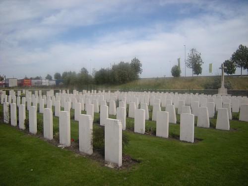 Adinkerke Military Cemetery, Adinkerke