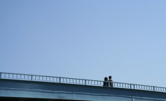 Tokyo 94 (tokyoform) Tags: city blue sky urban love japan 350d japanese tokyo couple asia pedestrian romance tquio  romantic  japo japon tokio japn    japonya  nhtbn jongkind         chrisjongkind  tokyoform