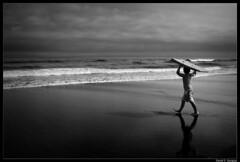 Bodyboard 2 (DavidGorgojo) Tags: sea sky bw mar kid surf waves bn cielo niño olas bodyboard frejulfe mywinners abigfave playadefrejulfe iopenplayadefrejulfe
