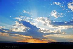 Al tramonto (oraziopuccio) Tags: montagne tramonto nuvole cielo sole hdr orizzonte oraziopuccio