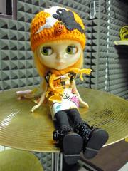 Momo plays drum!!!!!!!!!!!!