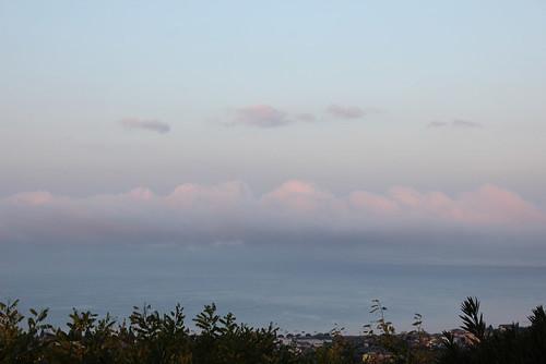 nuvoloni nebbiosi sulla sponda milanese