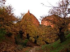 Camino al interior (Jesus_l) Tags: españa hojas europa arboles leon montañas bierzo ponferrada lasmédulas jesusl