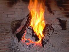 Fuego (Araceli Lop) Tags: fuego chimenea caceres carbajo
