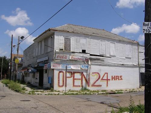 2852 LaSalle St.
