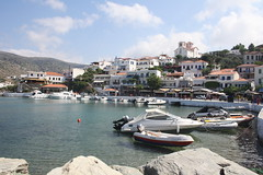 A sunny day in Batsi, Andros (catarinamaria) Tags: travel sea mer port boot see boat europe greece bateau hafen griechenland grce andros cyclades batsi kykladen