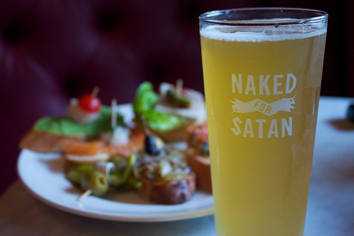 naked for satan wheat beer (brewed by matilda bay garage)