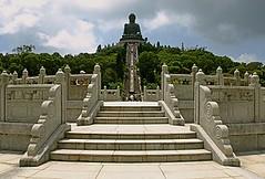 Tian Tan Buddha (Big Buddha) - Isla de Lantau - HONG KONG (David Menchero) Tags: china tower temple hongkong thecentre kowloon happyvalley symphony templo lantau bankofchina victoriaharbour taio symphonyoflights nanlian chilinnunnery lippocenter yuenyueninstitute nanliangarden