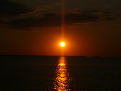 rasarit (simonagabi) Tags: sea sunrising mywinners