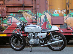 CB550 and box cars (Doug Goodenough) Tags: honda motorcycle cb 550 cb550 cafe racer restoration trains bike 75 caferacer engine douggoodenough drg531 07 2007 drg53107