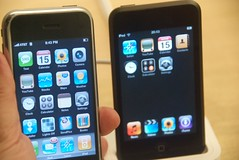 My hacked (for apps) iPhone & an iPod Touch at the Apple Store (Steve Rhodes) Tags: sanfrancisco apple google flickr googlemaps ipod maps touch fingers applestore edge tuaw att hacked apps iphone ipodtouch