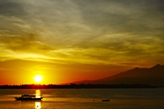 Lombok_273_04-05-07 (Kelly Cheng) Tags: sea mountain sunrise indonesia getty gili lombok trawangan rinjani pickbykc