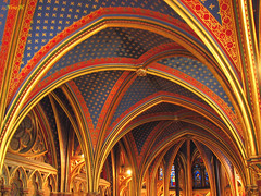La Sainte-Chapelle, Lower chapel. (Nino H) Tags: travel paris france architecture buildings construction bravo gothic chapel saintechapelle ledelacit moyenge magicdonkey nohdr artgothique mywinners aplusphoto flickrdiamond lowerchapel lachapellebase