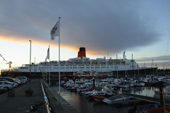 QE 2 View from Marina (Steve Crawford) Tags: cruise speed newcastle cruiseship queenelizabeth2 cunard qe2 oceanliner rivertyne northshields royalquays commissionquay