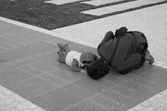 Fête de la musique 2010 (Paysage du temps) Tags: lyon son esplanade fêtedelamusique 2010 ecoute fils père croixrousse