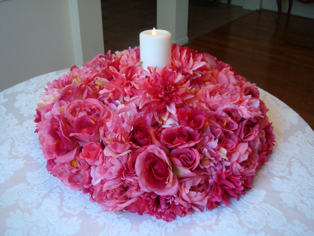 Hot pink table decorations birthday