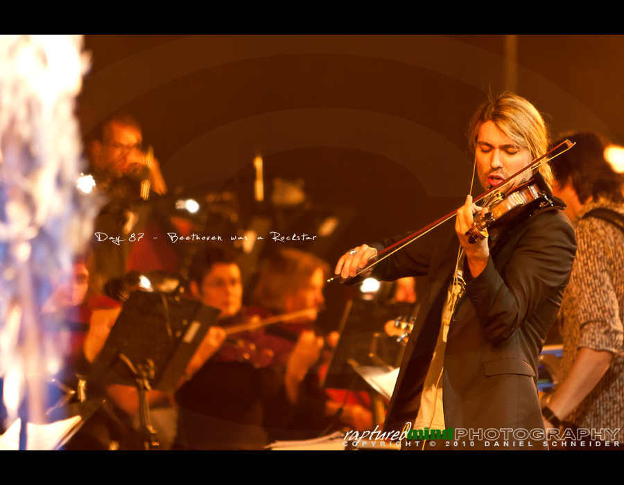David Garrett, Köln, Lanxess Arena, 2010, Day 87, Project 365, 087/365, Bokeh project365, live, music, rock, classic, cologne, Beethoven, Rockstar, David Garrett, Pop, Klassik, Rock, Musik,  Music, Concert, Konzert, Kultur, Fire, Feuer, Violine, Violin, Konzertbilder, Köln, NRW, Deutschland, 2010, Lanxess Arena, ourdailychallenge