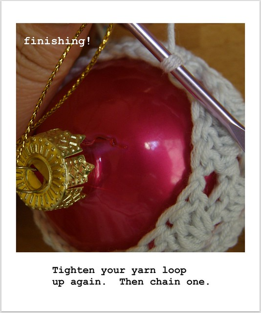 image 14 : Crocheted Baubles