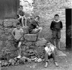 Gabriel Cuallado - Niños En La Escalera