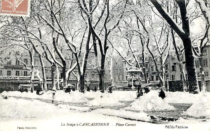 place Carnot sous la neige à Carcassonne en janvier 1914