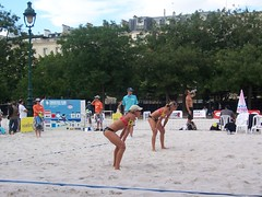 000_2327 (bdausse) Tags: beach champdemars volley beachvolley2007