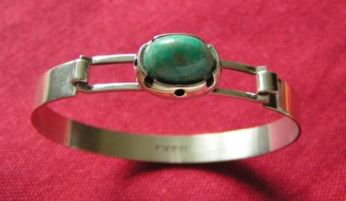 Armband i silver.