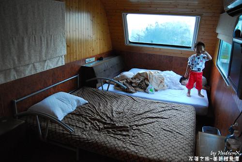 起床在床上玩耍(1)
